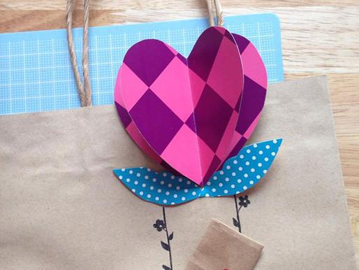 Merry DIY : Heart-air Balloon gift bag and bookmark