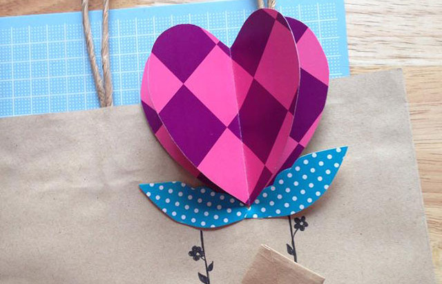 Merry DIY : Heart-air Balloon gift bag and bookmark