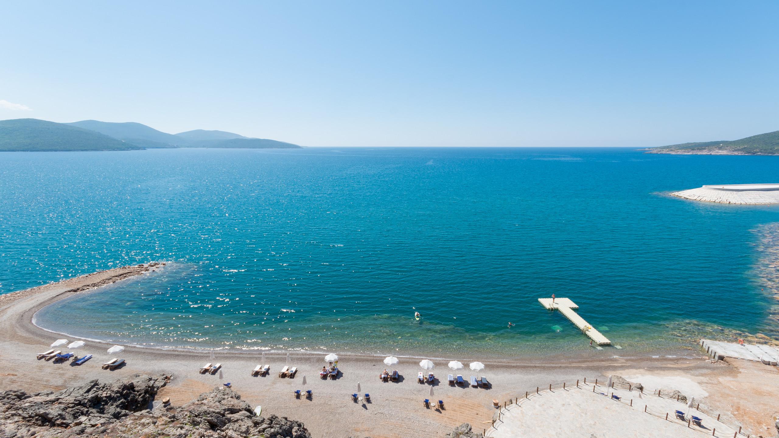 Lustica Bay 4