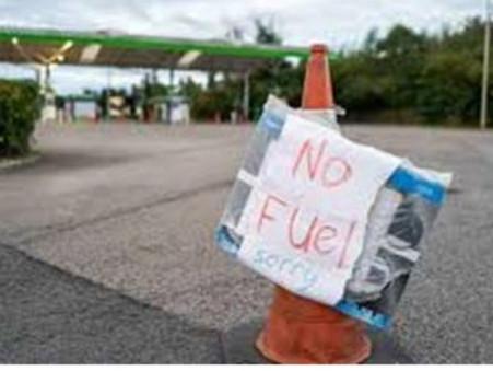 英國汽油短缺點收科