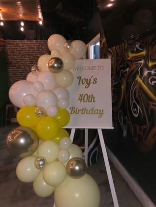 40th Birthday Signage & Balloons