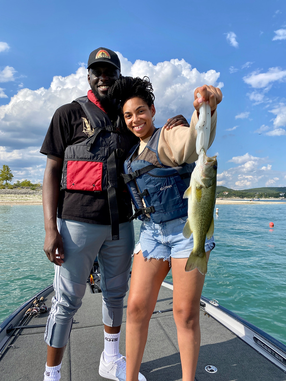 Lake Travis Fishing Guide
