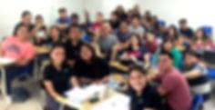 alumnos felices.jpg