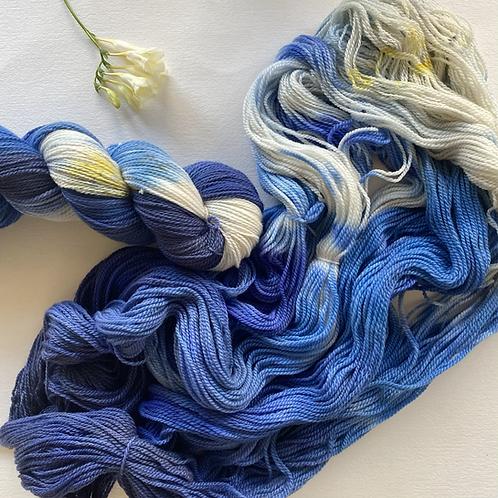 BLUE MOON White Gum Wool Fingering 100g
