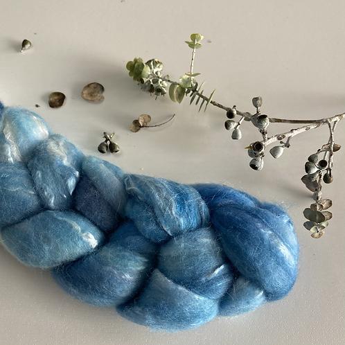 AZURE SKY Merino/Mulberry Silk Tops 50g
