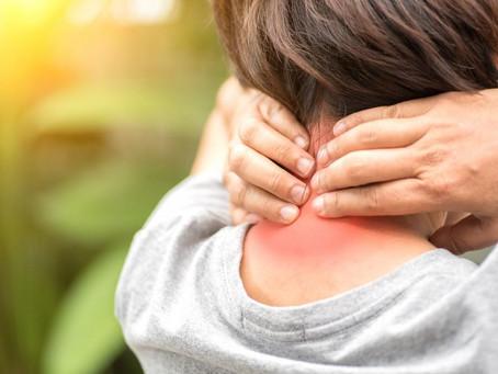 Πόνος στον αυχένα. Τι τον προκαλεί και πως αντιμετωπίζεται;