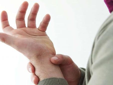 Σύνδρομο καρπιαίου σωλήνα: Αιτίες, συμπτώματα, διάγνωση και θεραπεία.