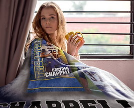 mockup-of-a-woman-covered-by-her-blanket