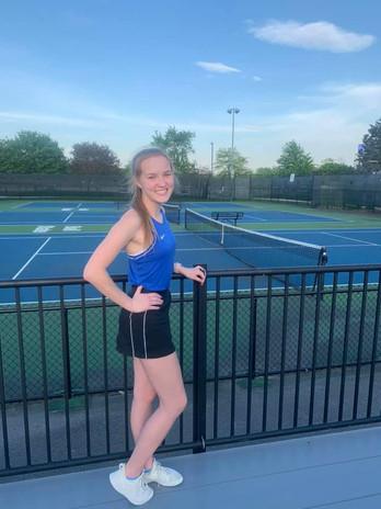 Sarlea, Leilani_tennis.jpg