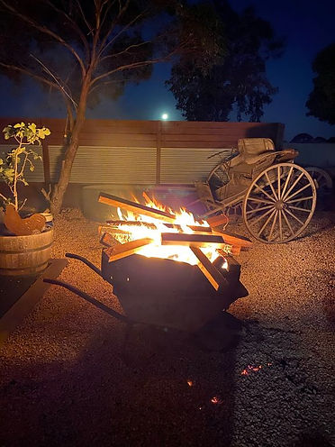Camp Fire at Pegs Place Port Victoria. Farmstay by the Beach. Pegs Place. Yorke Peninsula. South Australia. Yorke Peninsula Accomodation.