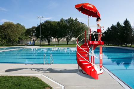 HALO Lifeguard Stand with Lifeguard