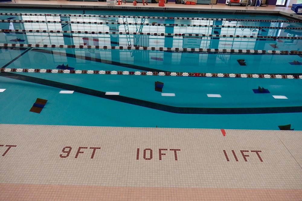 glare on pool surface