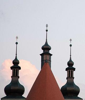 Věže lomnického kostela