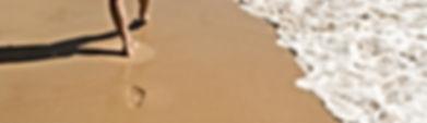 La sensation de marcher pieds nus sur le sable pour nous sentir ancré dans notre corps, dans notre chemin de vie