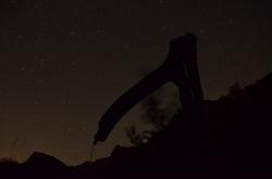 Photo nocturne d'un bassin