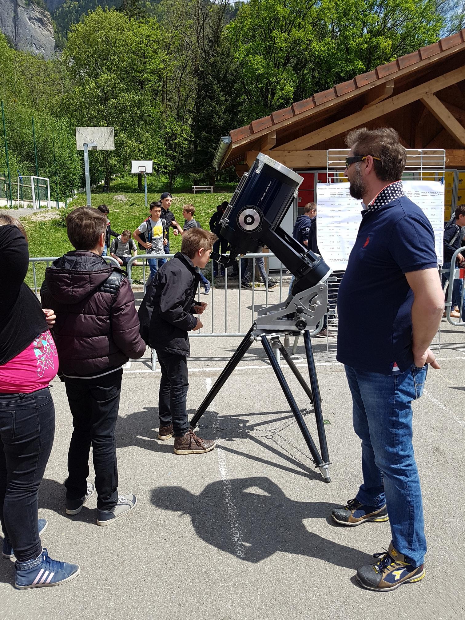 Observation au télescope d'Emmnuel