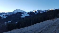 Un grand ciel bleu au petit matin
