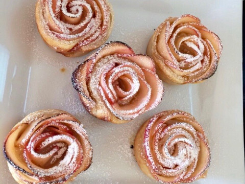 Puff Pastry Apple Flowers