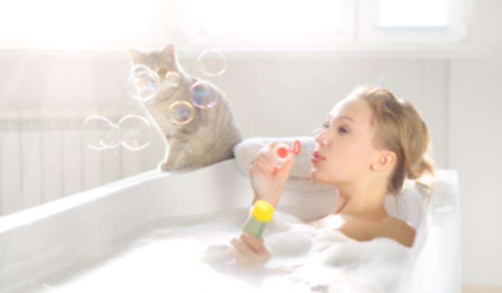 An Attractive girl relaxing in bath-1.pn
