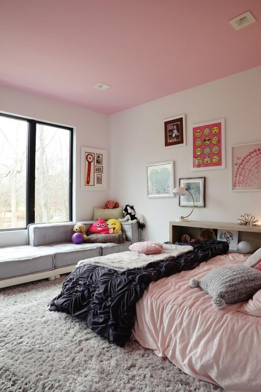 Pink Girls Bedroom .jpg