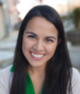 Viviana Chavez Headshot.jpg