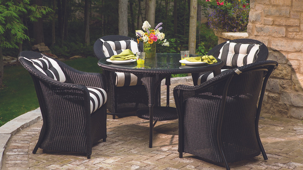 Reflections Outdoor Dining Collection