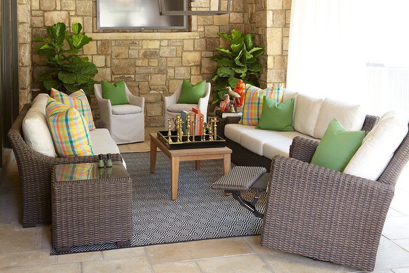 Mesa Outdoor Seating Collection