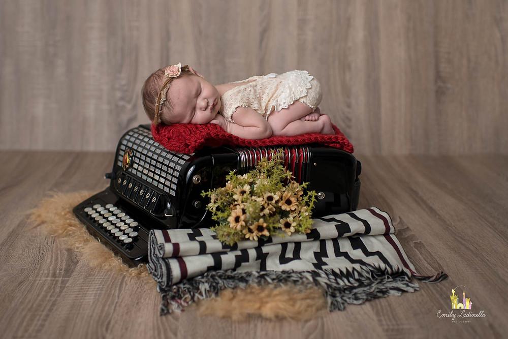 scandalli-accordions-newborn-gaita-ponto-acordeon-accordion-bebê-elena-tiago-rossato-bebenasanfona-chamame - gaucho