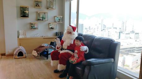 My lifetime treasure, a date with Santa.