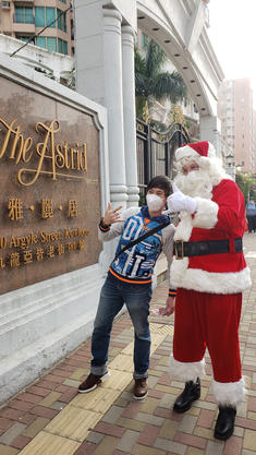 Santa spreading cheer!!