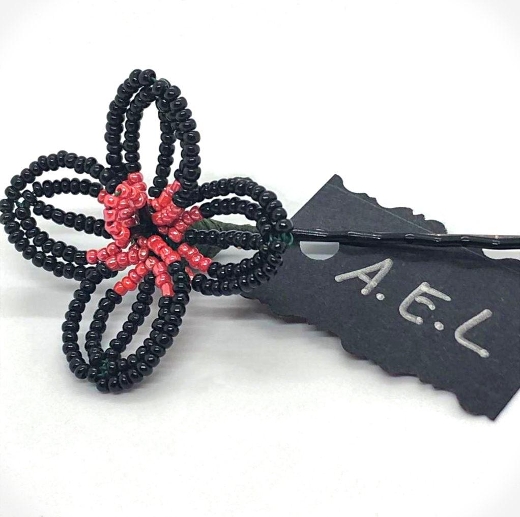 Black beaded flower hair pin