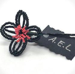 Black beaded flower hair pin