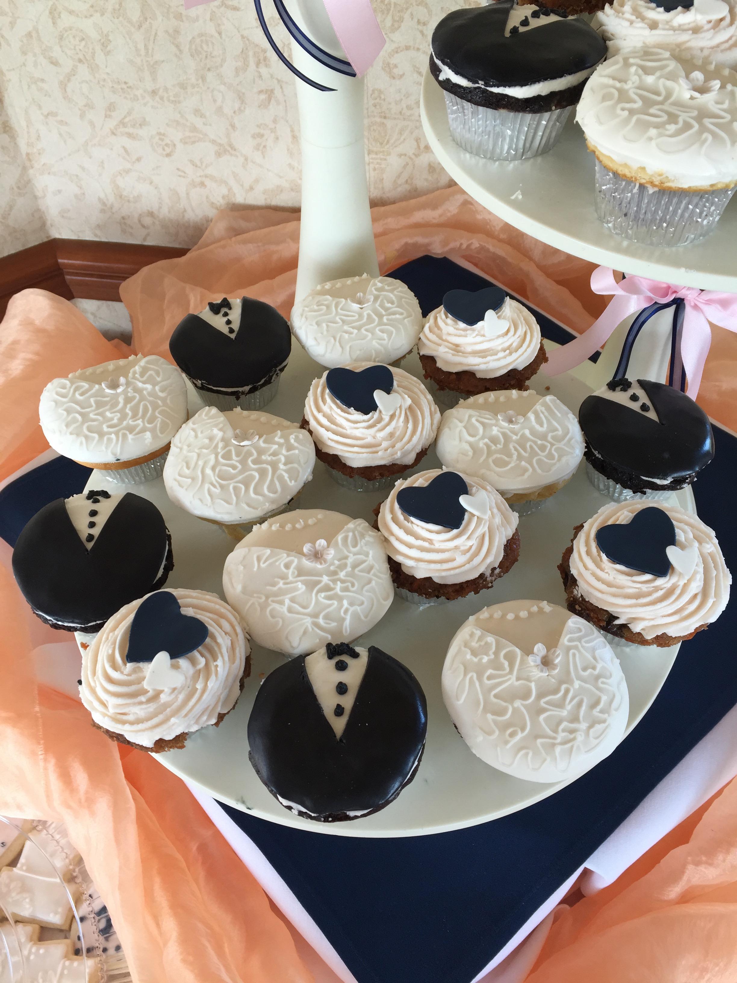 Wedding Cupcakes1 Display Closeup