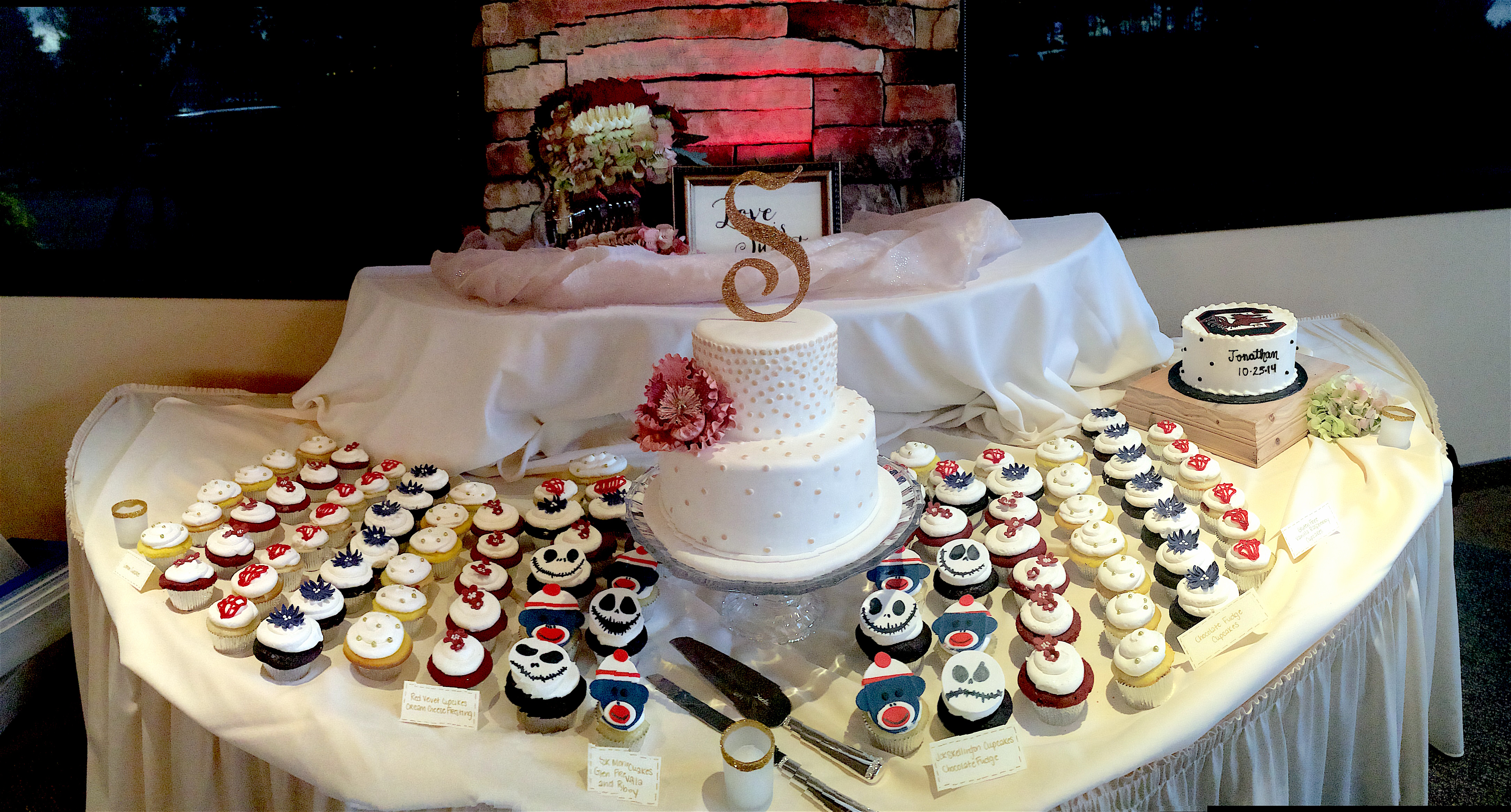 Wedding Cake wCupcakes6 Display Wide