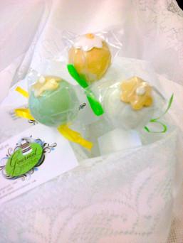 07.B.4 Cakepops-YellowGreenWhite.jpg