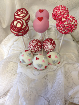 06.K.16 Seasonal-Valentines-Cakepops.JPG