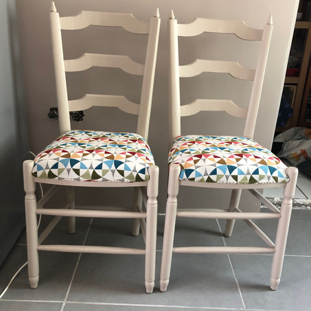 2 Chaises motif scandinave