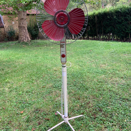 Ventilateur rouge Vintage
