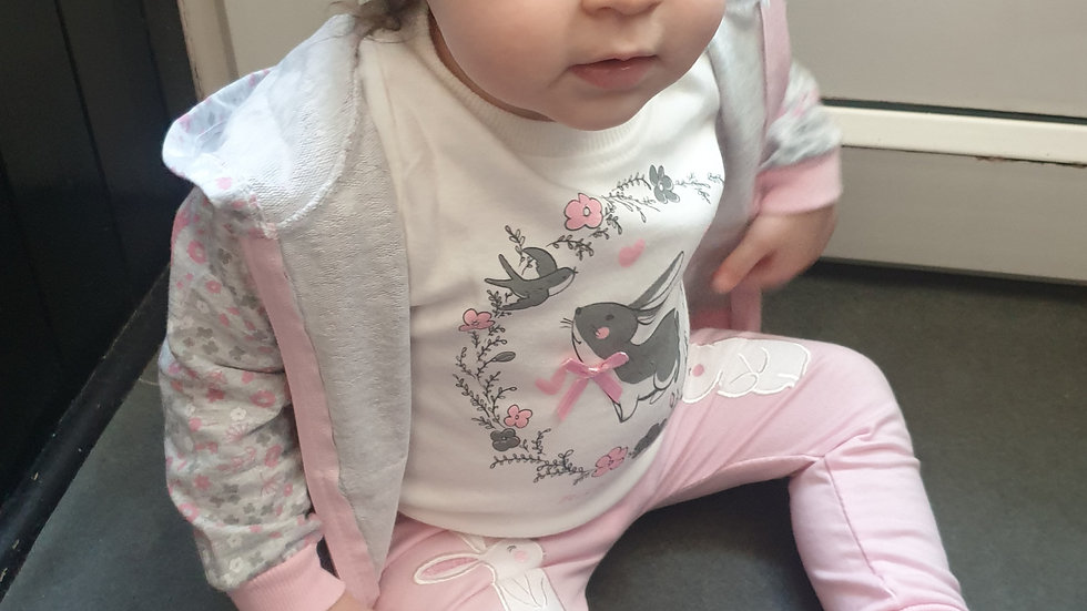 Baby girl bunny 3 piece outfit 😍