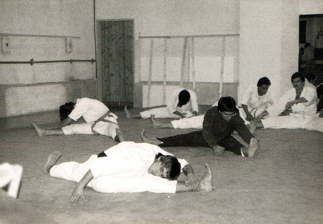 1976 streching