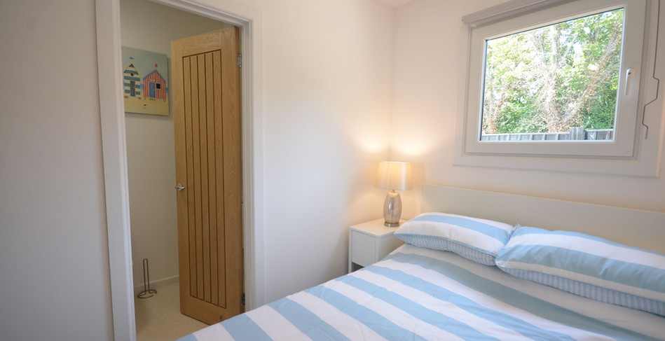 Premium Lodge double bedroom with en-suite 2