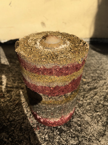 Earthen candle holder sample which was dyed layer by layer