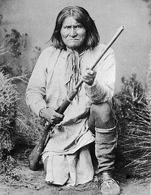 Geronimo-Crouching-560x722.jpg