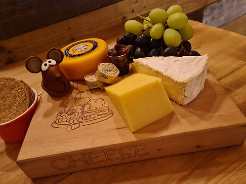 """""""Ken the Mouse"""" Cheese Box - Cheese, Oatcakes, Chutney, Butter, Grapes -Serves 2"""