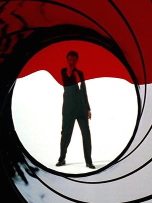 goldeneye_-_gun_barrel.0_edited.jpg