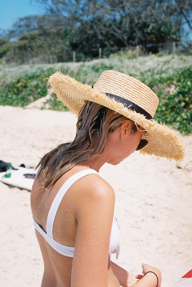 ruby ryan photo photograph photography girl beach byron bay