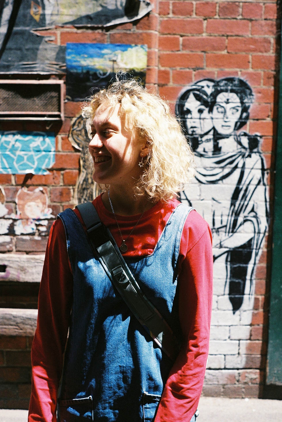 ruby ryan photo photograph photography film 35mm friend melbourne girl laneway