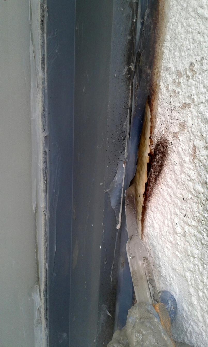 איטום חלונות בחיבור לקיר