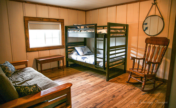 spacious bedroom in _The Franklin_