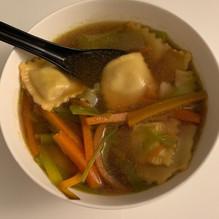 Potage ravioles et petits légumes